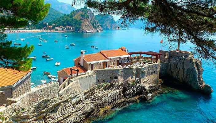 Дом в Черногории на берегу моря: кусочек рая по разумной цене