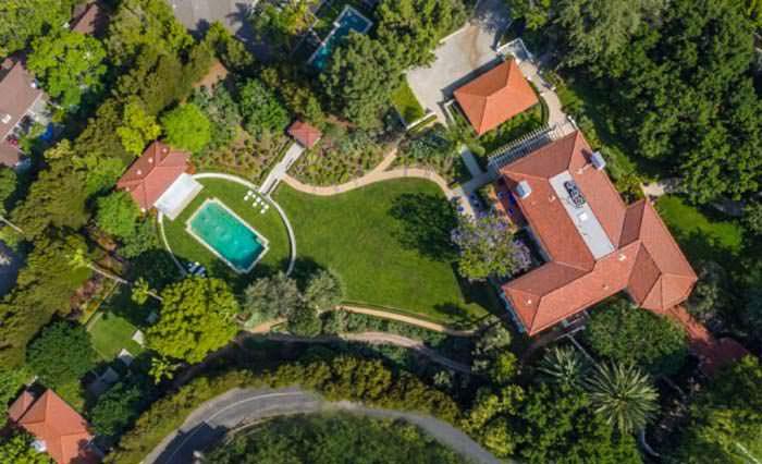 Фото | Вилла в Лос-Анджелесе с бассейном и садами