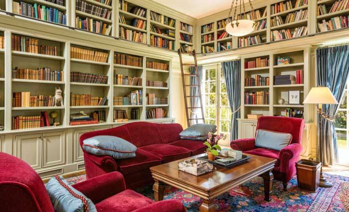 Фото | Библиотека в классическом стиле виллы в Лос Фелис
