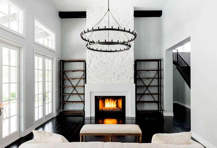 Фото | Камин в стиле минимализм в доме Кайли Дженнер