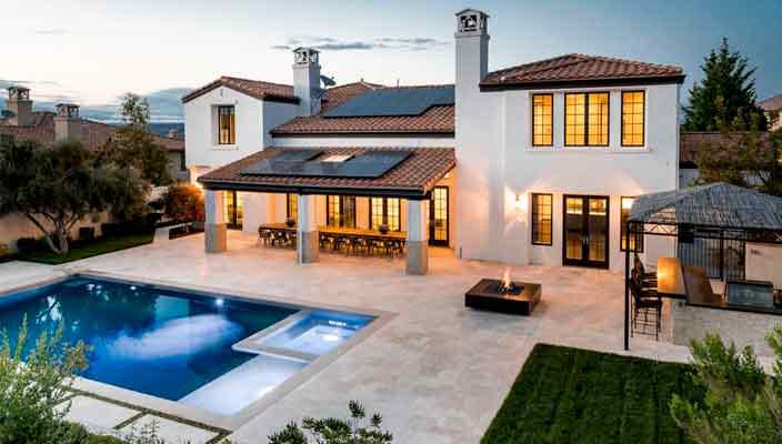 Красотка Кайли Дженнер продает дом в Калифорнии | фото, цена