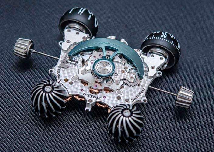 Фото   MB&F HM6: часовой механизм вне корпуса