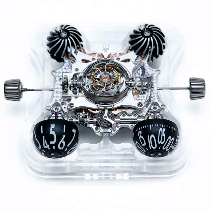Фото   MB&F HM6: часы в сапфировом кристалле