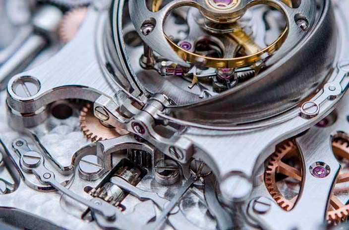 Фото   Швейцарский турбийон крупным планом в MB&F HM6