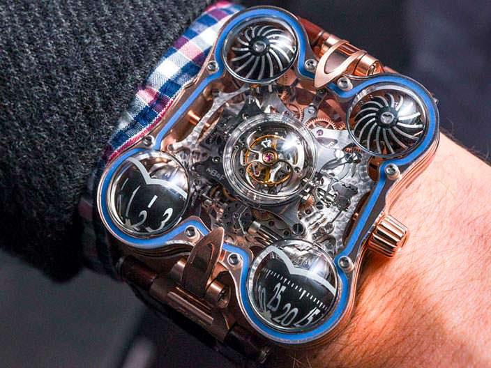 Фото   Сапфировые наручные часы MB&F HM6 Sapphire Vision