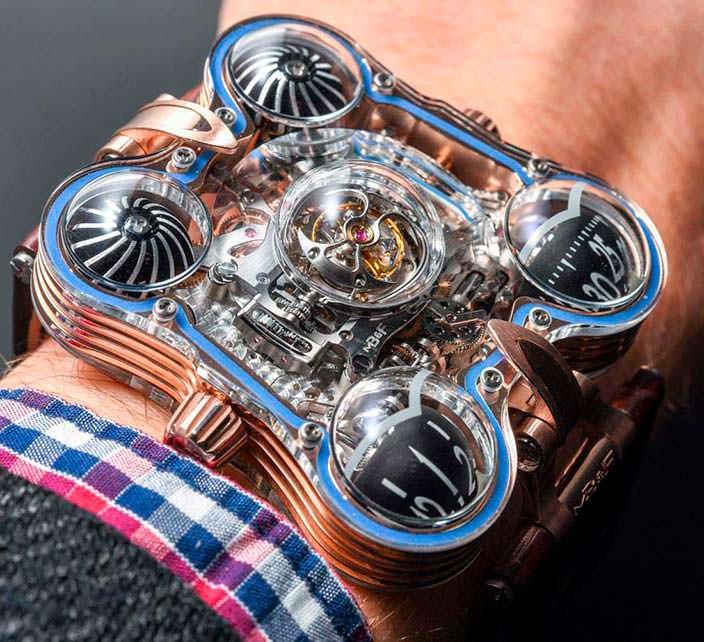 Фото   Часы из двух кристаллов сапфира MB&F HM6