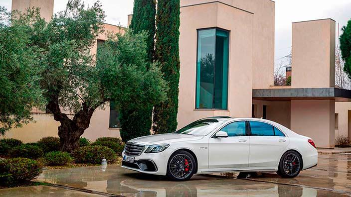 Белый Mercedes-AMG S63 W222