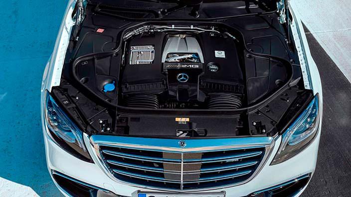 5,5-литровый битурбо двигатель V8 Mercedes-AMG S63