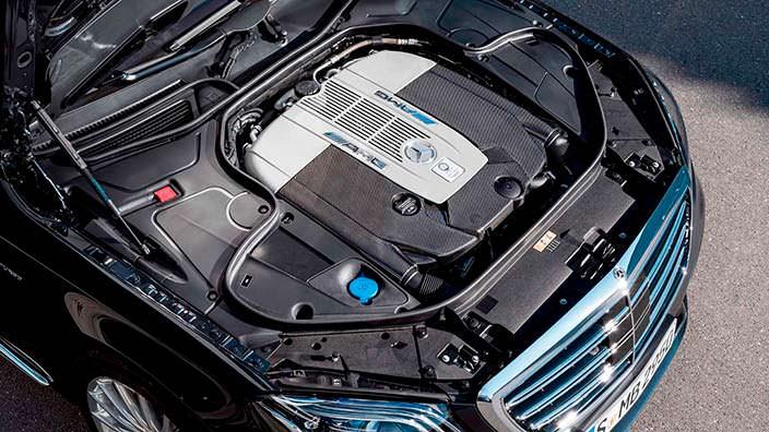 6,0-литровый битурбо двигатель V12 Mercedes-AMG S65 2018