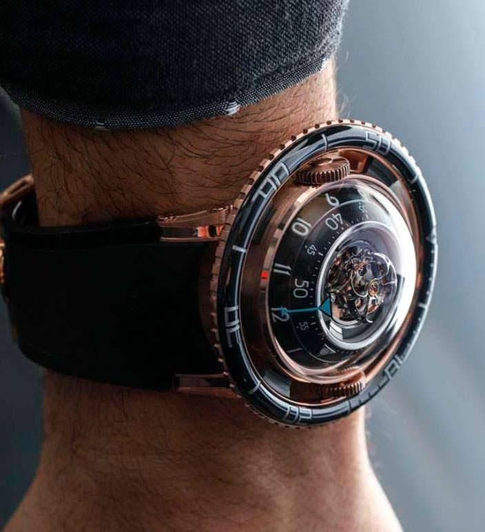 Механические швейцарские часы MB&F HM7 Aquapod