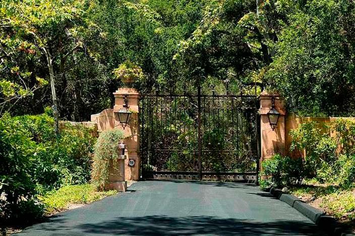 Ворота на территорию дома Джеффа Бриджеса