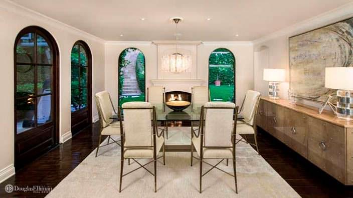 Столовая комната в светло-темном дизайне