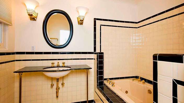 Фото | Ванная в стиле ретро дома Тома Хэнкса