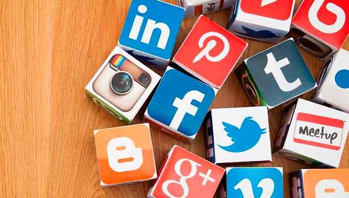 Влияние социальных сетей на работу. Какой вред и польза?