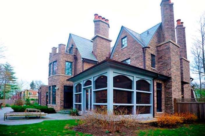 Вид на дом Кристин Каваллари со стороны улицы