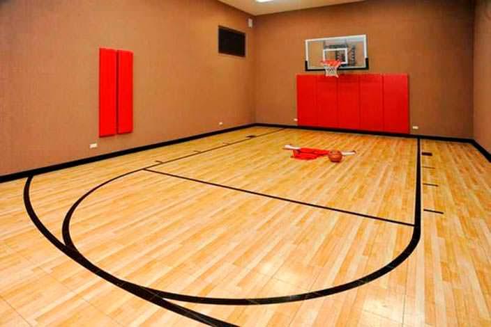 Баскетбольная площадка в доме Джея Катлера из NFL