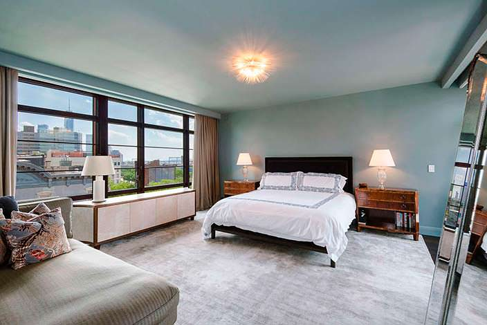 Спальня с двухэтажной квартире Джона Бон Джови
