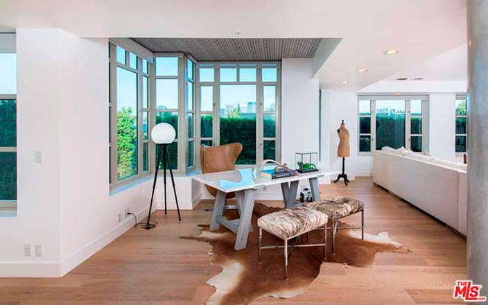 Дизайн рабочего пространства в квартире Кендалл Дженнер