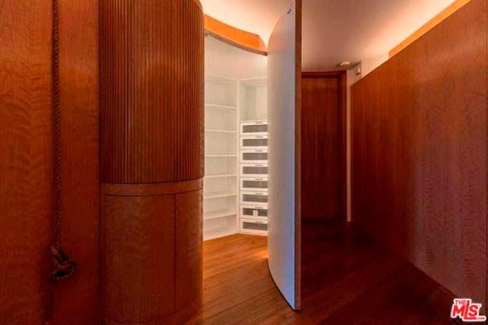 Дизайн сауны в доме Памелы Андерсон