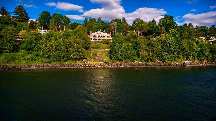 Дом на холме у залива Эллиот в Сиэтле