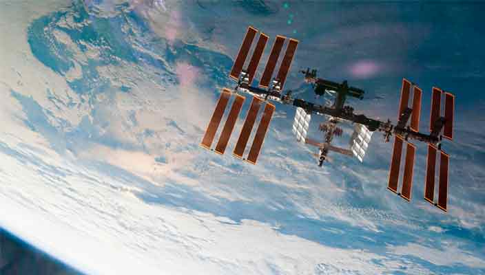 В «Google Просмотр улиц» отсняли модули МКС на орбите Земли