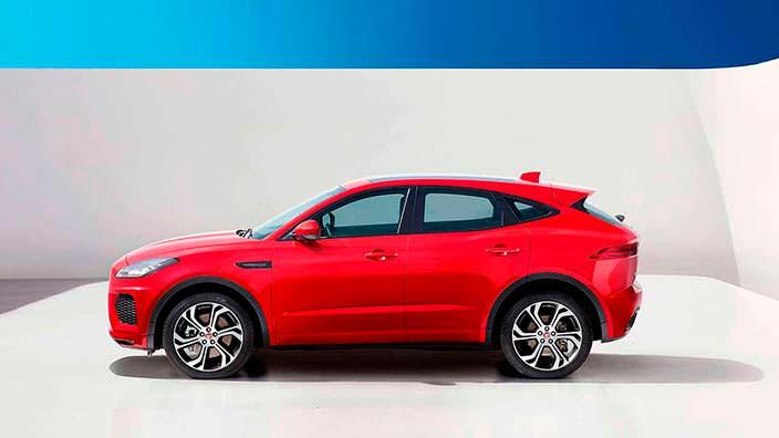 Фото | Красный Jaguar E-Pace