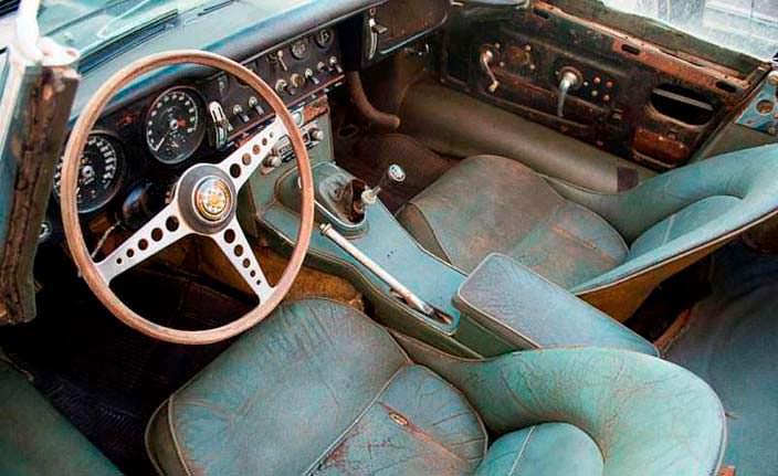 Изношенный салон Jaguar E-Type Roadster 1963 года