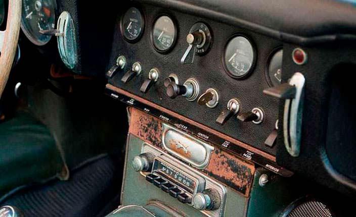 Приборная панель Jaguar E-Type Roadster 1963 года