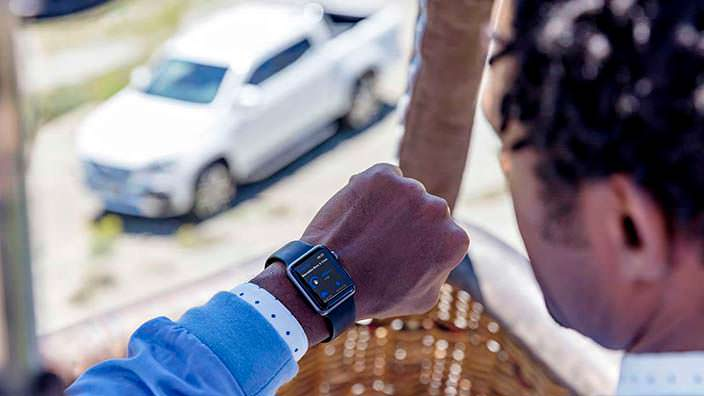 Приложение для Mercedes-Benz X-Class на Apple Watch