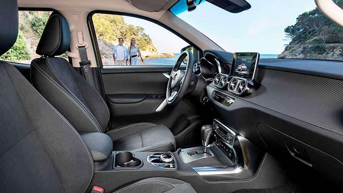 Фото салона Mercedes-Benz X-Class 2018