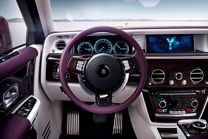 Водительское место в новом Rolls-Royce Phantom 2018