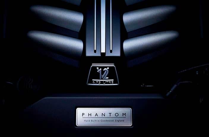 Двигатель 6,75-литра V12 под капотом Rolls-Royce Phantom 2018