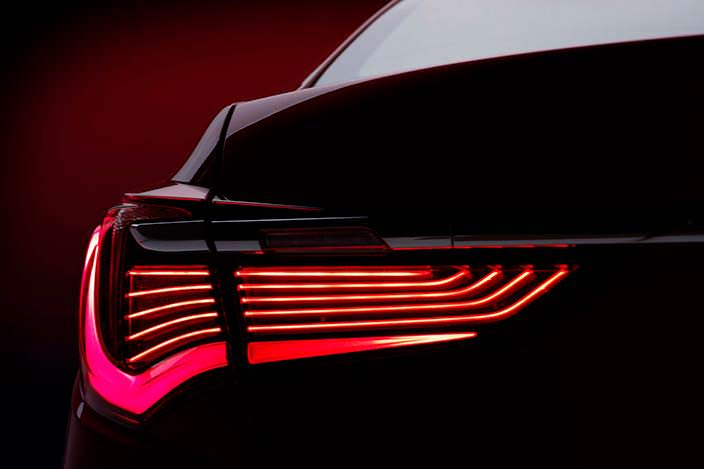 Acura RLX 2018: дизайн задних светодиодных фонарей