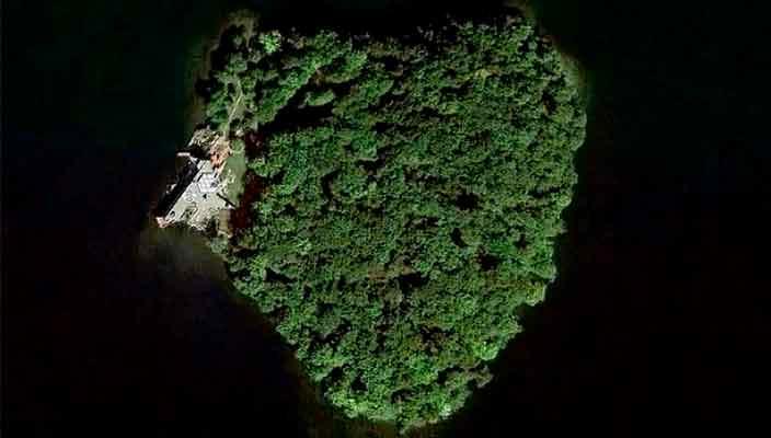 В США продают частный остров с виллой от Фрэнка Ллойда | фото