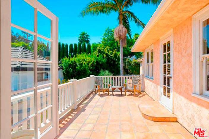 Балкон в доме с красивым видом