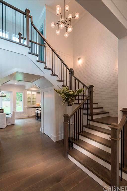 Дизайн деревянной лестницы в доме