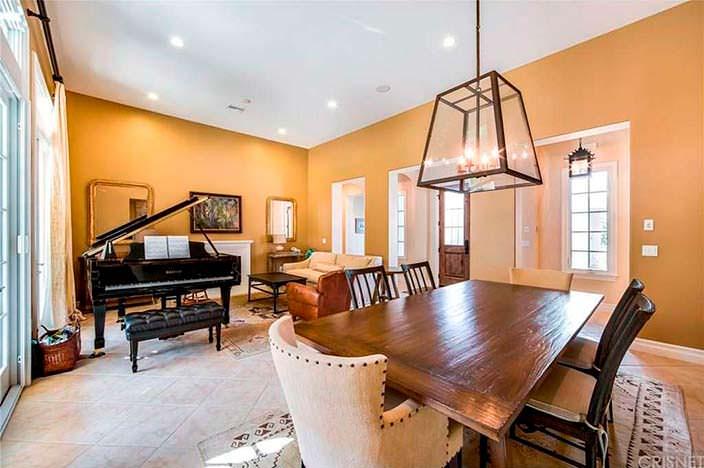 Дизайн комнаты с роялем