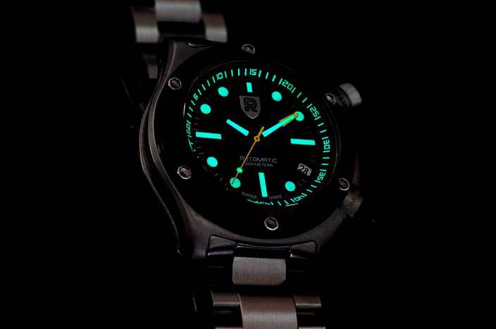 Швейцарские дайверские часы Rebel AquaFin: корпус 42 мм