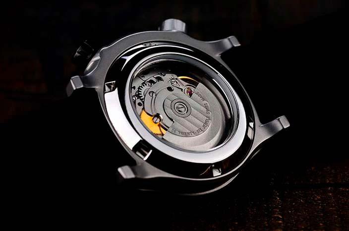 Rebel AquaFin: дайверские часы с механизмом Sellita SW200-1