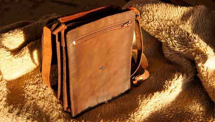 Современные модели мужских сумочек-барсеток