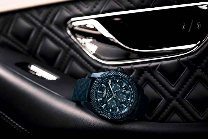 Часы Bentley GT Dark Sapphire Edition в салоне Bentley Continental GT