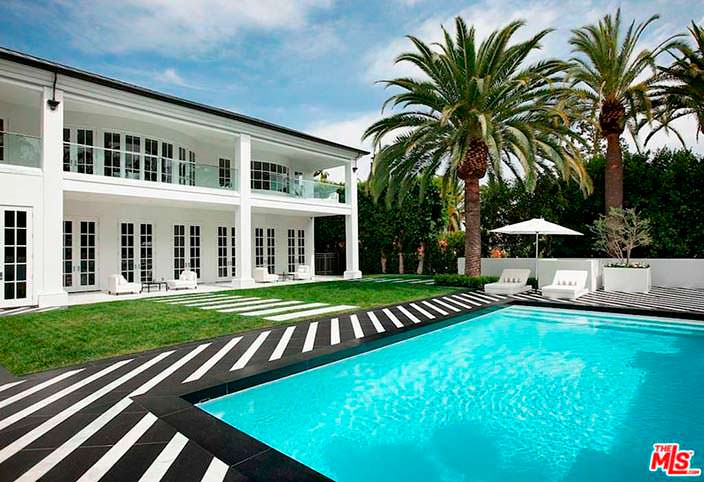 Дом с бассейном Флойда Мейвезера в Беверли-Хиллз