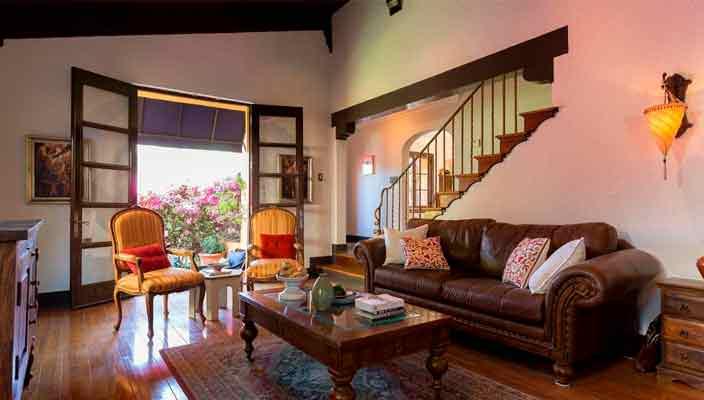 Актер Гаррет Хедлунд купил новый дом в Лос Фелис | фото, цена