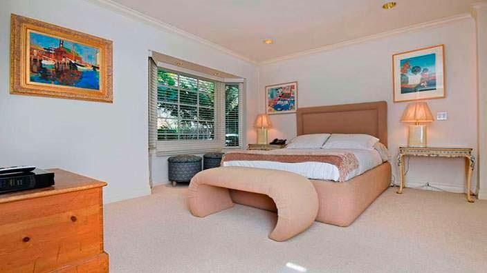 Жалюзи в дизайне спальни