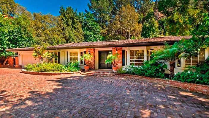 Дом в стиле ранчо писательницы Джеки Коллинз