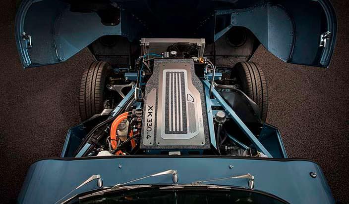 Электромотор XK330-4 мощностью 229 л.с. Jaguar E-Type Zero