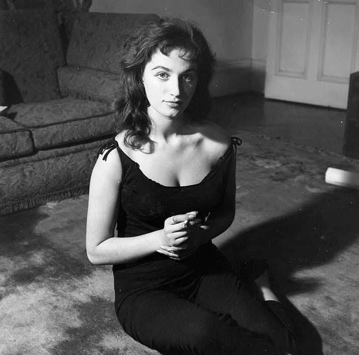 Фото | Джеки Коллинз в молодости. 1 января 1956 года