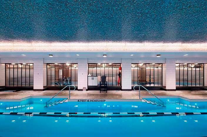 Спа-салон с плавательным бассейном