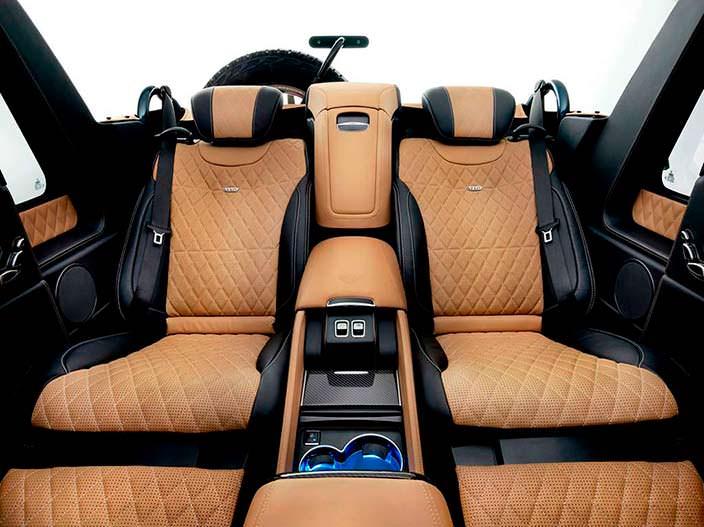 Два раздельных сидения сзади Mercedes-Maybach G650 Landaulet