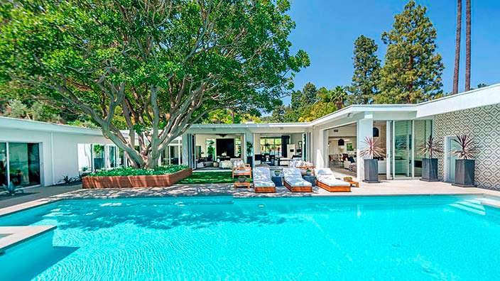 Дом с бассейном стиле модерн 1959 года в Беверли-Хиллз